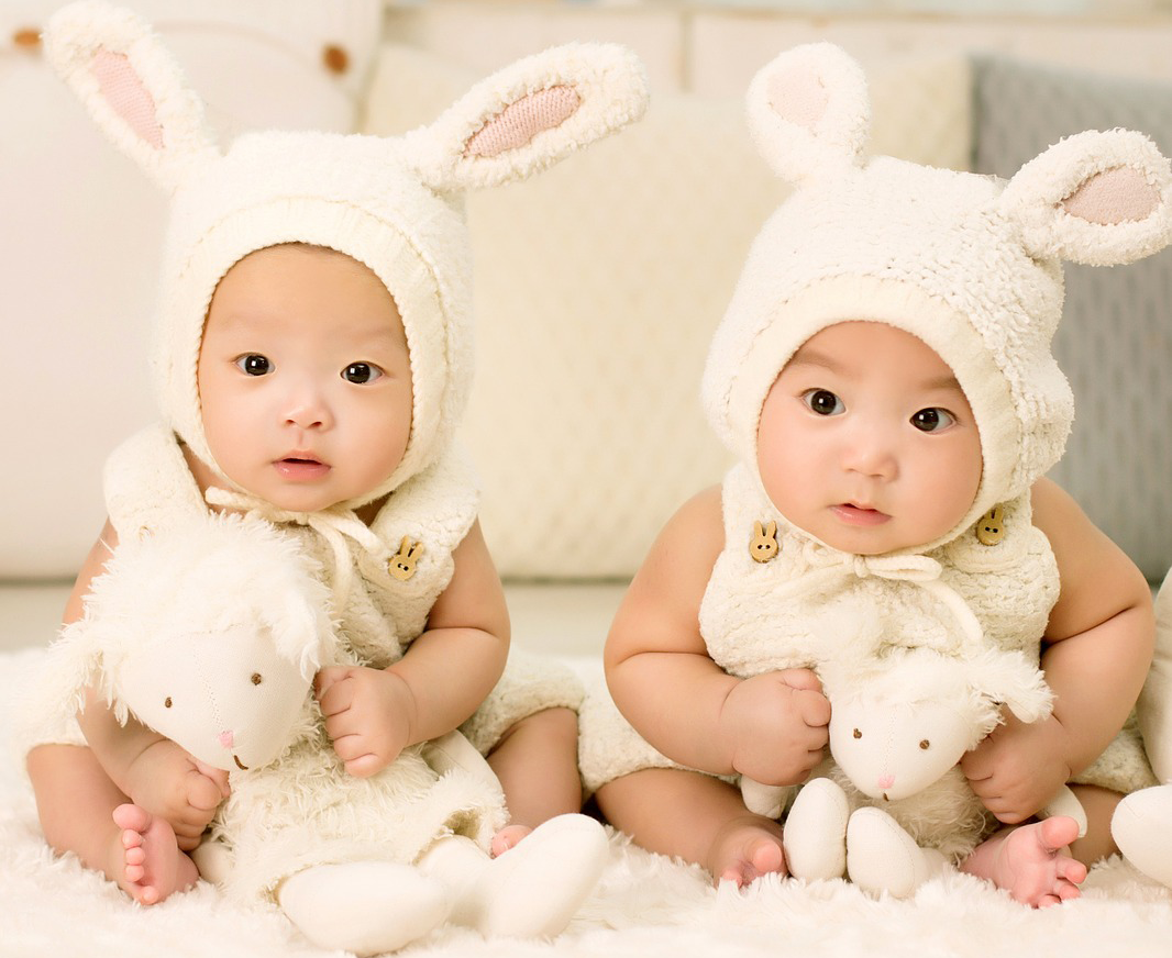 5 Ways to Adjust to Being a Mom of Twins