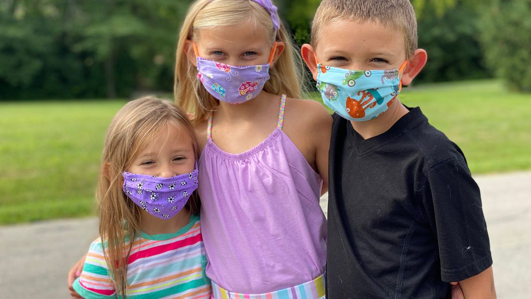 kids with face masks
